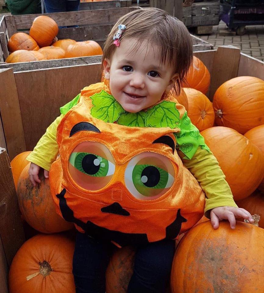 pumpkin-girl.jpg