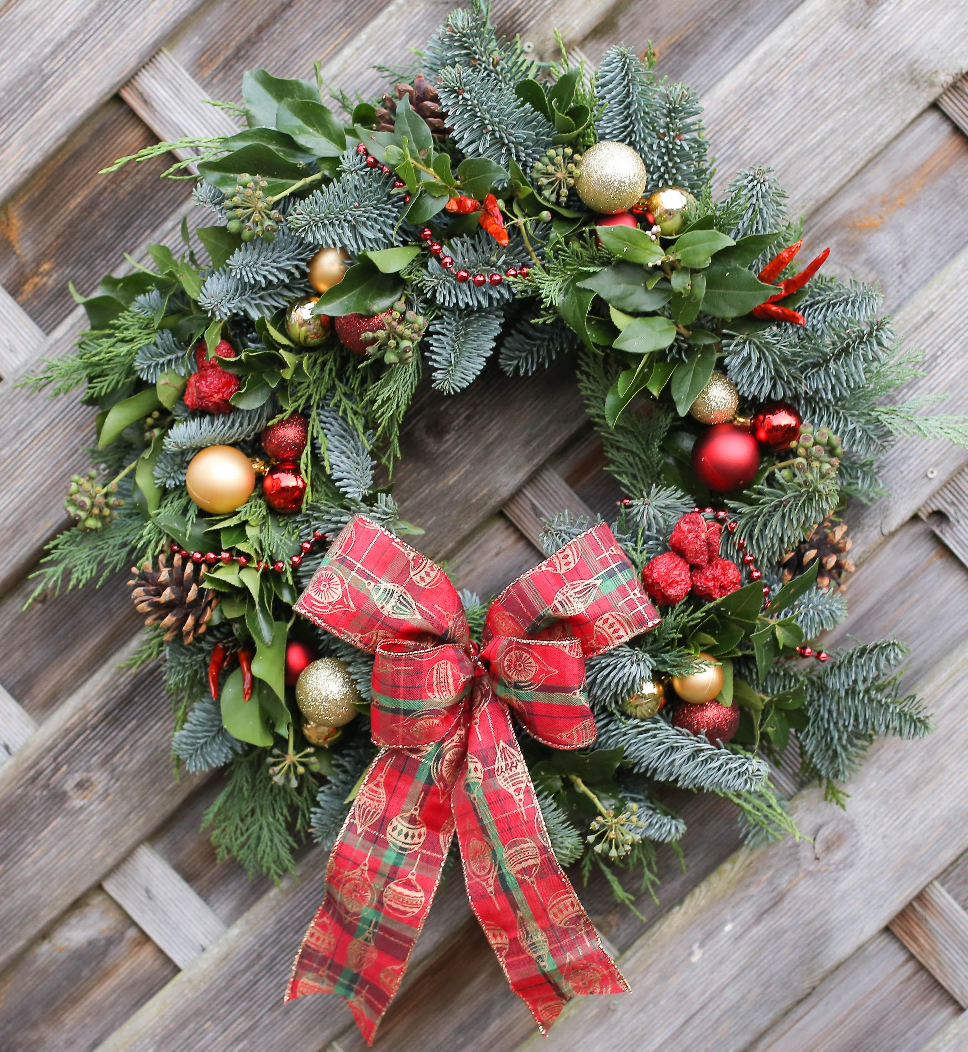 Making Christmas.Christmas Wreath And Garland Making Workshops